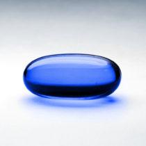 Mavi hap bu rengiyle, bağnazlığı ve göz yummayı simgeliyor.